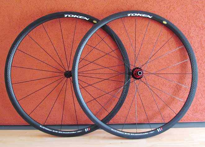 C28 CARBON CLINCHER WHEELSET